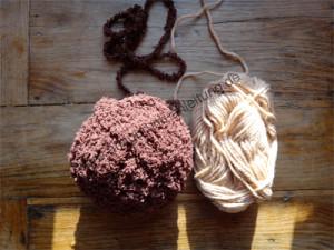 Acryl und Schurwolle
