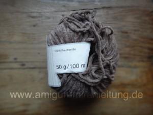 Die Amigurumi-Eule besteht aus Chenille 100% Baumwolle